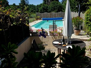 Homely cottage with heated swimming pool - Beaumont-en-Veron vacation rentals