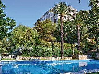 Splendido appartamento nella torre di Villa Voronoff a Grimaldi / Balzi Rossi - Grimaldi vacation rentals
