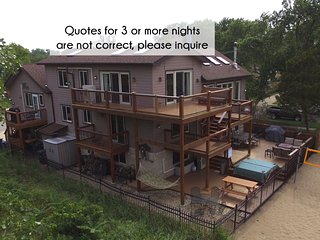 Lux Beachfront Slps 29, Chicago-40min, 2+ Ngt quotes NOT accurate, Please ask! - Gary vacation rentals