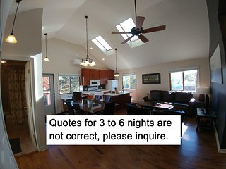 Beachfront Guesthouse Slps8, Chicago-40min, 2+Ngt Quotes NOT Accurate, pls. ask! - Gary vacation rentals