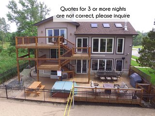 Lux Beachfront Slps 19, Chicago-40min, 2+ Ngt quotes NOT accurate, please ask! - Gary vacation rentals