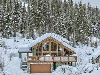 Eagle Chalet - 3 bedroom plus loft - ski in - with Private Hot Tub - Sun Peaks vacation rentals