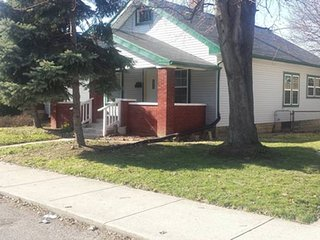 Beautiful House Near Downtown Indy - Indianapolis vacation rentals