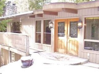 Beautiful Home Situated amongst the trees! - Christina Lake vacation rentals