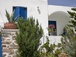 New listing! Lovely Holiday House close to many beaches - Parasporos vacation rentals