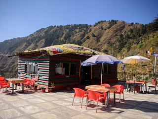 Comfortable Room on Secluded Mountains - Mussoorie vacation rentals