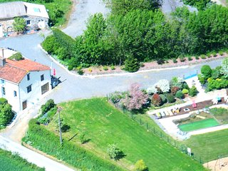 Self-catering accommodation in a quiet rural village near Puy du Fou - L'Absie vacation rentals