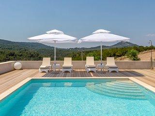 HR33 VILLA AMARIS - Jelsa vacation rentals