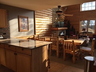 Grand Bear Updated Lux Cabin: Chef kitch,Wi-Fi,Sleep 12 SWIM/HIKE/FISH/BOAT/GOLF - Utica vacation rentals