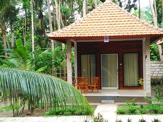 Crystal Bay Beach Bungalow - Nusa Penida vacation rentals