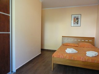 One bedroom apartment close to the beach, Rafailovici No.4 - Rafailovici vacation rentals
