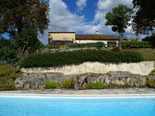 Comfortable House with Internet Access and Cleaning Service - Saussignac vacation rentals