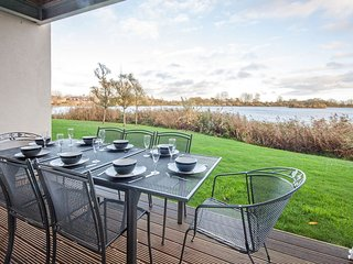 Wild Briar, Clearwater 28 - 4 bedroom lakeside property with spa access - Somerford Keynes vacation rentals