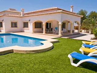 Villa La Guardia, Javea, large pool, a/c, Freesat - Javea vacation rentals