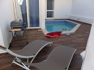 Comfortable apartment with pool. - Swieqi vacation rentals