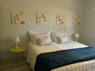Suite Azul - cama, café e muito charme em Araras - Araras vacation rentals