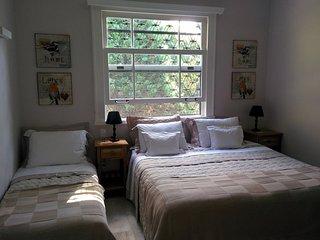 Suite Bege - cama, café e muito charme em Araras - Araras vacation rentals