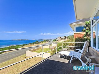 Unwind * 'The Point' Beachfront w separate Retreat - Victor Harbor - Victor Harbor vacation rentals