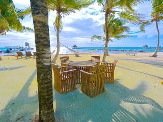 SUNSET BEACH CONDOS - A3 Gorgeous OCEANFRONT 1- bedroom  near grocery & eateries - Ambergris Caye vacation rentals