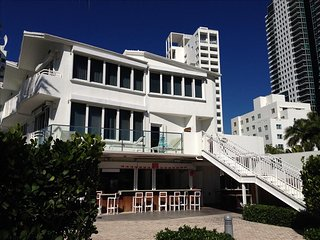 5 Star Wyndham grand-Direct Ocean Front Townhouse  18th Collins - Miami Beach vacation rentals