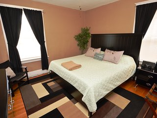 Southwest Gardens Apartment 2E (One King Bed / Sleeps Maximum Of Four Guest ) - Saint Louis vacation rentals