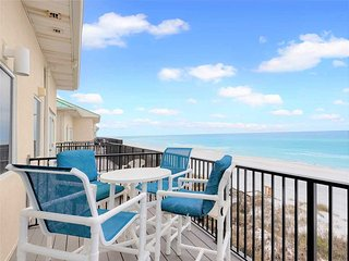 Comfortable Cottage with Deck and Internet Access - Miramar Beach vacation rentals