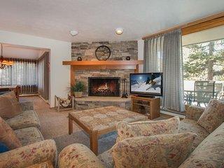 Pines Condominium 2038 - beautifully remodeled, spacious, ground floor - Keystone vacation rentals