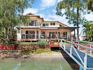 Keelin Cove - Waterfront by the Beach - Buddina vacation rentals