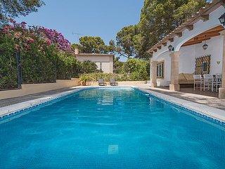 3 bedroom Villa in Cala Major, Mallorca : ref 2058738 - Cala Major vacation rentals