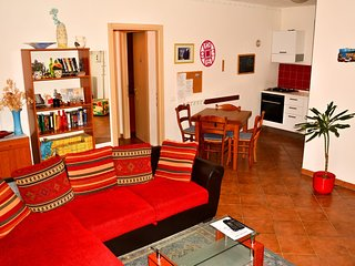 Luce Stellata - Merope holiday home with garden - Podenzana vacation rentals