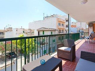 Lovely 2 bedroom Puerto Pollensa Condo with Internet Access - Puerto Pollensa vacation rentals