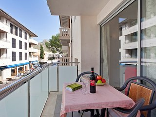 Plaza central 3 bed apartment - Puerto Pollensa vacation rentals