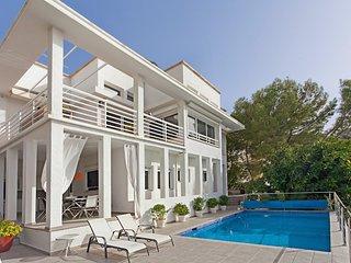 Bright Villa with Internet Access and A/C - Port d'Andratx vacation rentals