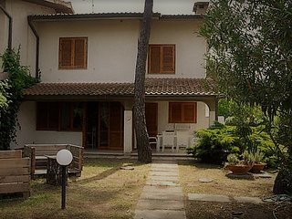 The Floral White house in the Tuscan Maremma - Principina a Mare vacation rentals