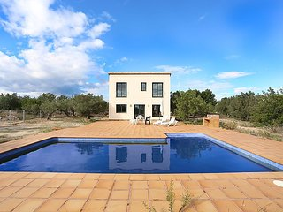 4 bedroom Villa in L'Ametlla de Mar, Costa Daurada, Spain : ref 2242451 - L'Ametlla de Mar vacation rentals