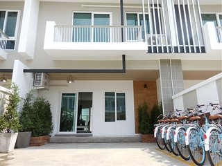 KK261 Lovely townhouse in town - Chiang Mai vacation rentals