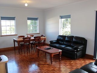 Adelaide Serviced Accommodation - Lakeman Apartment - Adelaide vacation rentals