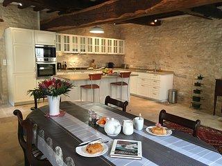 Chez Montrachet, all new, superb 3 bdrm/3.5 bath central Puligny-Montrachet - Puligny-Montrachet vacation rentals