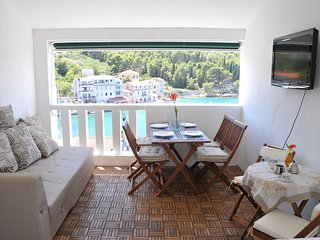 Apartment Larisa - Stomorska vacation rentals