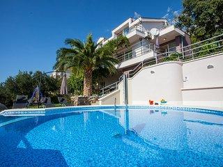 Nice Villa with Water Views and Shared Outdoor Pool - Makarska vacation rentals