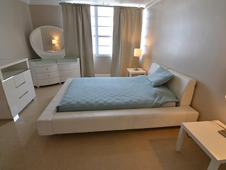 Beach Decoplage 1 Bed Apartment - Miami Beach vacation rentals