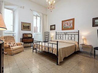 CAMPO DE' FIORI APARTMENT . UP TO 5 - Rome vacation rentals