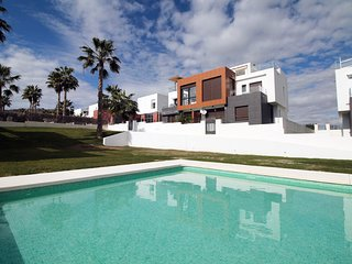 LF18 Top floor 2 bed modern apartment - Algorfa vacation rentals