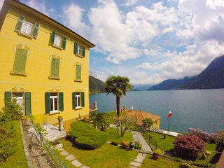Villa the Dreamers apartment Family 2 with lake view and private garage - Argegno vacation rentals