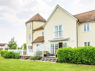4 Bed New England Style Lodge in South Cerney - Windrush 93 - South Cerney vacation rentals