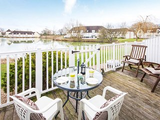 Little Maine, Isis 31 - 3 bedroom lakeside lodge in the Cotswolds - South Cerney vacation rentals