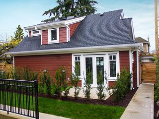 2 bedroom, 2 bath Guest House in the Westside of Vancouver - Vancouver vacation rentals