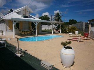 Très belle villa créole avec piscine privative à 15 minutes des  belles plages - Sainte-Anne vacation rentals