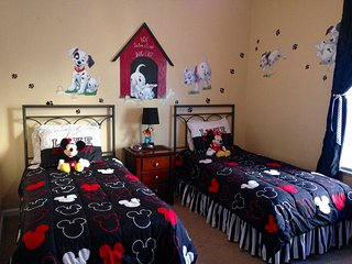 Dalmatian Delight at Windsor Hills, luxury 3/2 condo, near resort pool & Disney - Kissimmee vacation rentals