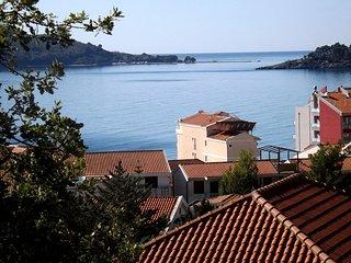 One bedroom apartment close to the beach - sea view / No.7 - Rafailovici vacation rentals
